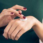 Tips Pakai Body Lotion Agar Tak Lengket di Kulit