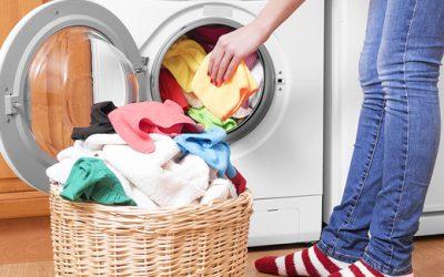 Cara Gampang Hilangkan Bau Apek pada Baju