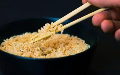 Nasi atau Mie Instan yang Paling Bikin Cepat Gemuk?